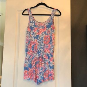 ⭐️⭐️⭐️LILLY PULITZER ROMPER SIZE SMALL!!